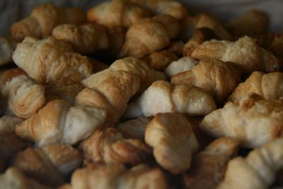 croissant-madrid CC-BY-3.0 by Tamorlan