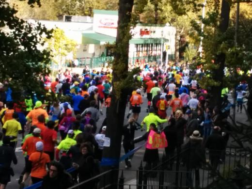Crowd supporting the Marathon in Brooklyn