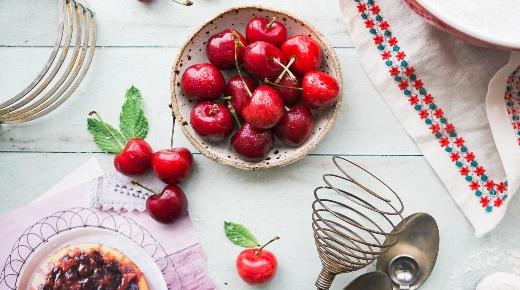 Measuring and baking a cherry pie recipe