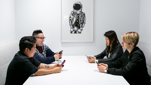 Mobile devices and collaboration leads to staring at our phones