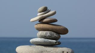 eight stones balancing