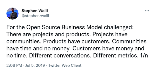 A tweet from Steven Walli about projects and products in open source